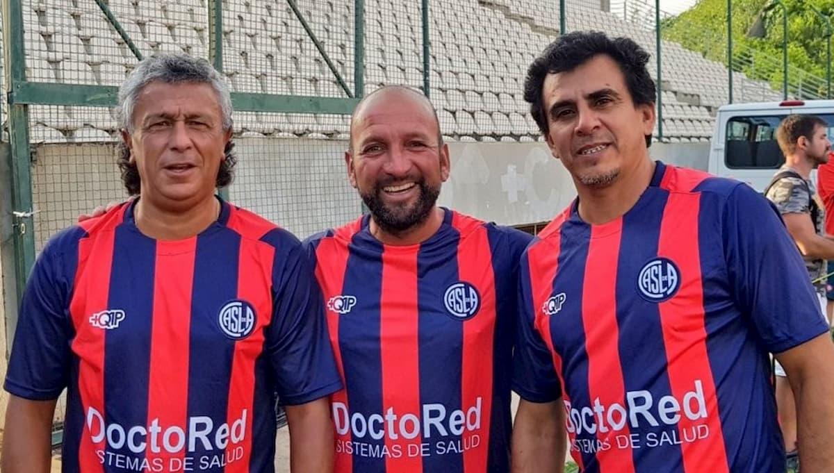 Claudio Rivadero junto a Pipo Gorosito y el Diablo Monserrat en la Senior del Ciclón