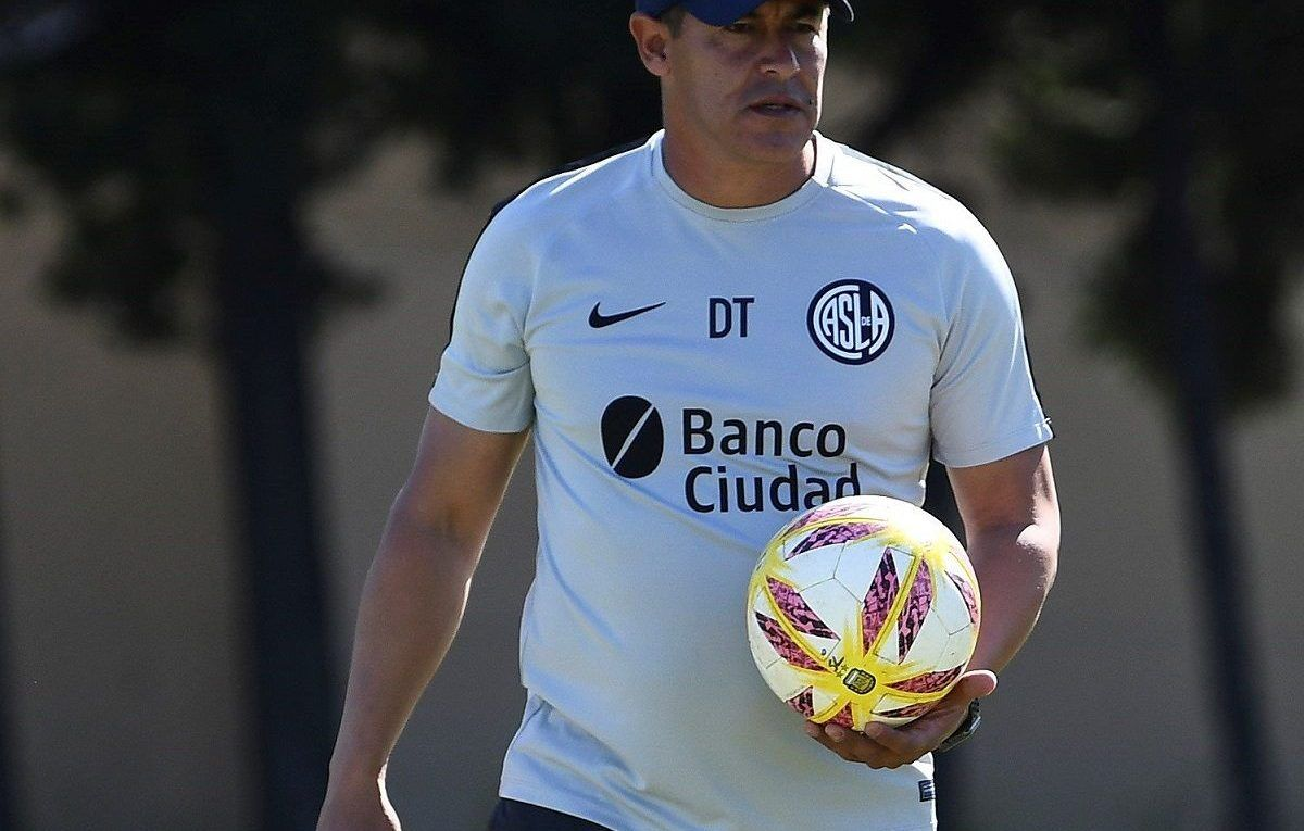 jorge almirón once ante independiente