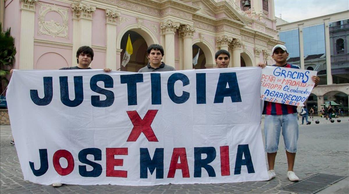Bandera pidiendo Justicia por José María García